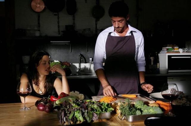 Sizce kadınlar mı ev yemeği yapmalı, erkekler mi?